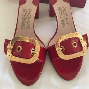 Salvatore Ferragmao block kitten heels